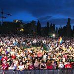 15,000 צועדים במצעד הגאווה בירושלים - לעודד את המתינות והסובלנות בישראל
