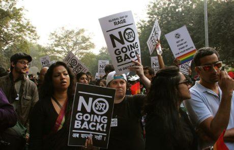 פסיקה היסטורית בהודו: בית המשפט ביטל את האיסור על יחסי מין חד-מיניים