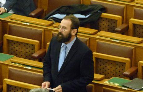 """הדיפלומט ההונגרי ההומופוב התפטר לאחר שנתפס באורגיה עם 20 גברים: """"פספוס אישי שלי"""""""