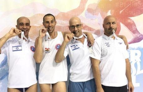 10 מדליות לנבחרת השחייה הגאה בברלין